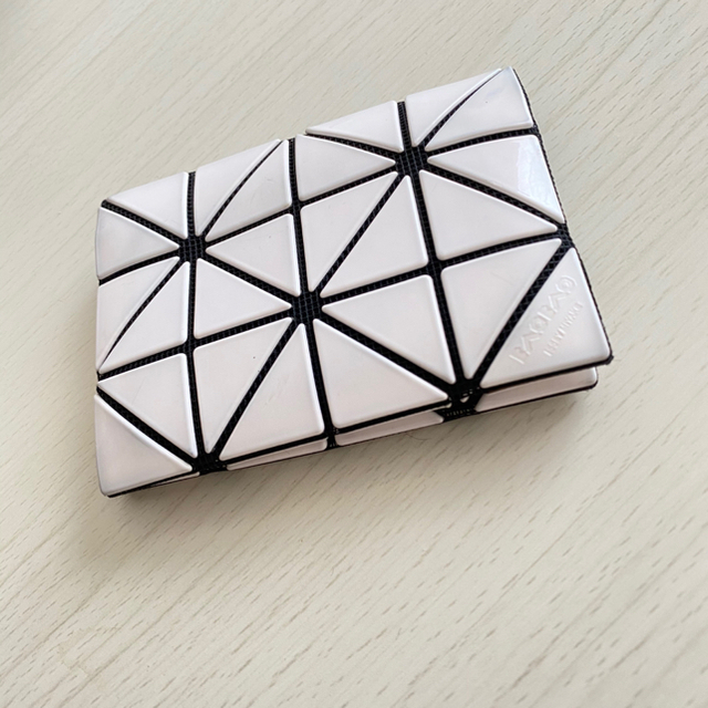 ISSEY MIYAKE(イッセイミヤケ)のBAOBAOISSEY カードケース レディースのファッション小物(名刺入れ/定期入れ)の商品写真