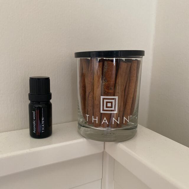 THANN(タン)のTHANN タン エッセンシャル オイル AW アロマティックウッド シナモン  コスメ/美容のリラクゼーション(アロマディフューザー)の商品写真