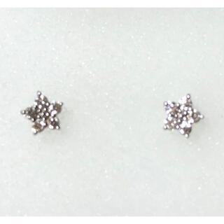 ヨンドシー(4℃)のk18 WG ダイヤモンド ピアス 美品 最終価格(ピアス)
