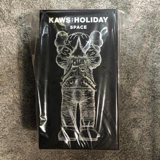 MEDICOM TOY - 新品未使用 kaws holiday space シルバー silver
