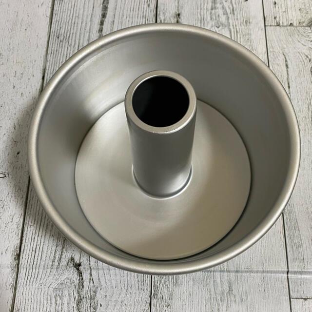 シフォンケーキ型 17cm インテリア/住まい/日用品のキッチン/食器(調理道具/製菓道具)の商品写真
