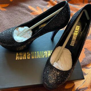 アッシュアンドダイアモンド(ASH&DIAMONDS)の美品!アッシュ&ダイヤモンド GRITTERパンプス ブラック(ハイヒール/パンプス)