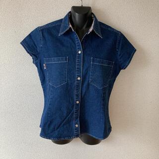 BURBERRY - シンプルデザインが素敵♪バーバリーデニムシャツ