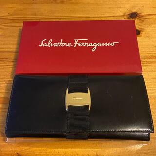 Salvatore Ferragamo - 【6月末まで】 Ferragamo 正規品 長財布