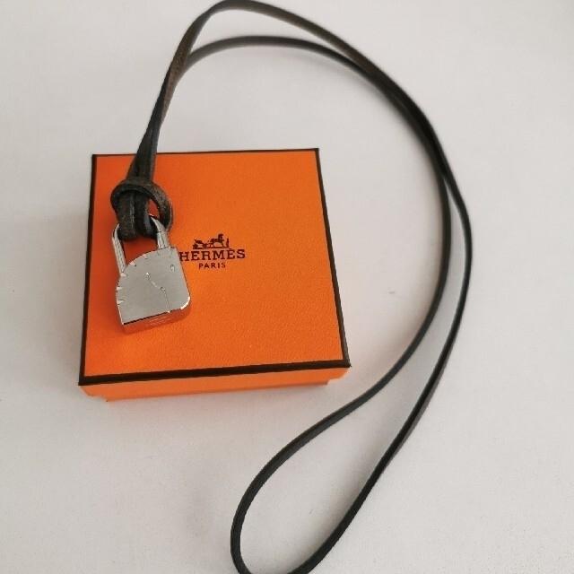 Hermes(エルメス)のHERMES エルメス ラニエール 革紐 カーキ レディースのアクセサリー(ネックレス)の商品写真