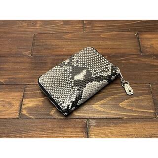 ダイヤモンドパイソンのラウンドファスナーミニ財布(財布)