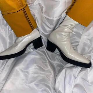 JOHN LAWRENCE SULLIVAN - スクエアトゥブーツ ヒールブーツ 26.5 ホワイト