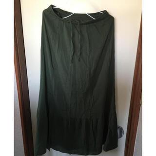 ユニクロ(UNIQLO)のユニクロ ちりめんロングスカート モスグリーン Mサイズ(ロングスカート)