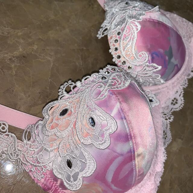 Wacoal(ワコール)のワコール サルート  d65 ブラジャー  c70 光の祭典 レディースの下着/アンダーウェア(ブラ)の商品写真