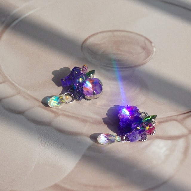 紫陽花をイメージしたピアス パープル ハンドメイドのアクセサリー(イヤリング)の商品写真