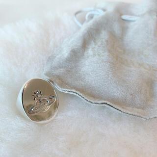 ヴィヴィアンウエストウッド(Vivienne Westwood)の希少 Vivienne Westwood オーブ彫り シルバーリング 18号(リング(指輪))