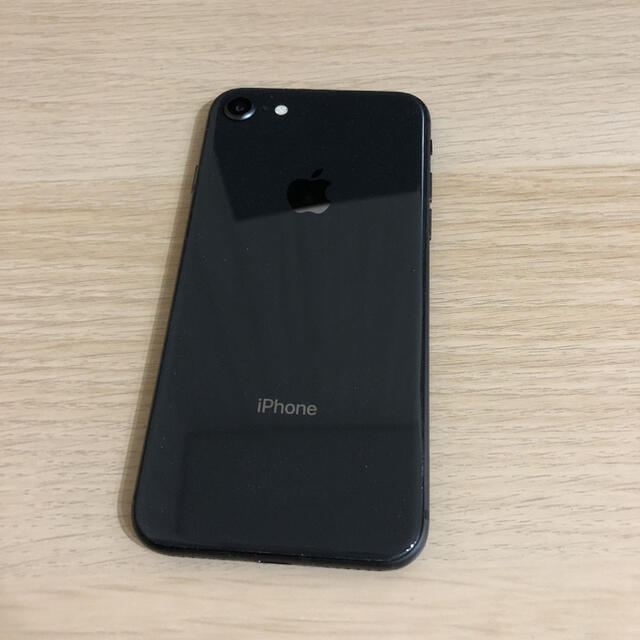 iPhone(アイフォーン)のiPhone8 64GB SIMフリー スマホ/家電/カメラのスマートフォン/携帯電話(スマートフォン本体)の商品写真