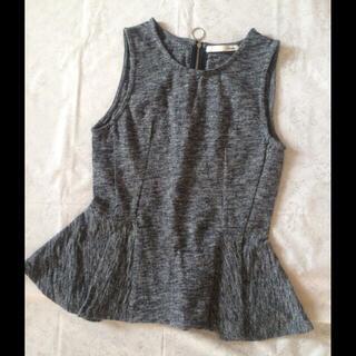 マウジー(moussy)のマウジー ジップノースリーブカットソー size1夏服秋服♡裾フリル(カットソー(半袖/袖なし))