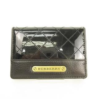 バーバリー(BURBERRY)のキルティング エナメル × レザー ロゴプレート カードケース 名刺入れ ■WY(名刺入れ/定期入れ)