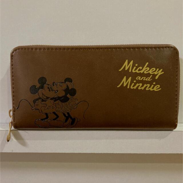 新品❣️おしゃれミッキー&ミニー ブラウン型押しウォレット(長財布、茶色) レディースのファッション小物(財布)の商品写真