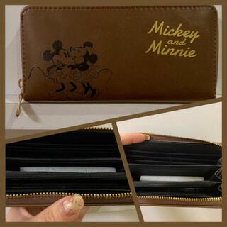 新品❣️おしゃれミッキー&ミニー ブラウン型押しウォレット(長財布、茶色)