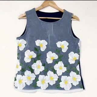 ZARA - お花刺繍&チュールが可愛い(๑˃̵ᴗ˂̵)✨‼️タンクトップ❤️透けないブラウス