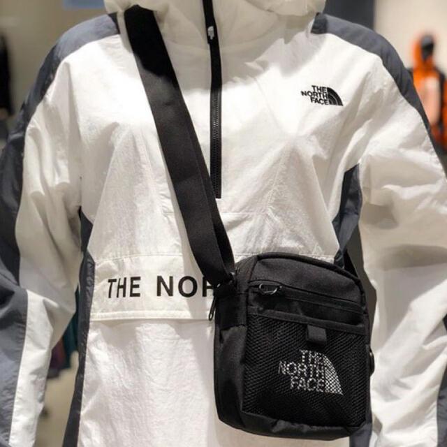 THE NORTH FACE(ザノースフェイス)のノースフェイスミニショルダーバック海外 OUTLET入荷大幅プライスダウンセール メンズのバッグ(ショルダーバッグ)の商品写真