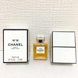 CHANEL - シャネル CHANEL 香水 N°19 レディース メンズ パフューム7.5ml