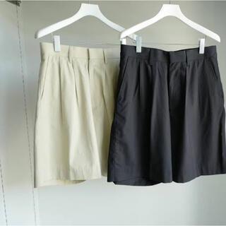 コモリ(COMOLI)のAURALEE HARD TWIST GABARDINE SHORTS(ショートパンツ)