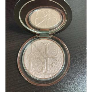 Dior - ディオールスキン ミネラル ヌード ルミナイザー 02ピンクグロウ