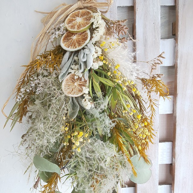 専用*オレンジ&スモークツリー  ドライフラワースワッグ ハンドメイドのフラワー/ガーデン(ドライフラワー)の商品写真