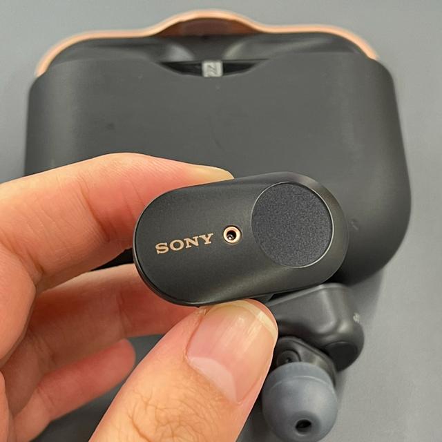 SONY(ソニー)の値下げしました!ワイド保証付 SONY ワイヤレスイヤホン WF-1000XM3 スマホ/家電/カメラのオーディオ機器(ヘッドフォン/イヤフォン)の商品写真