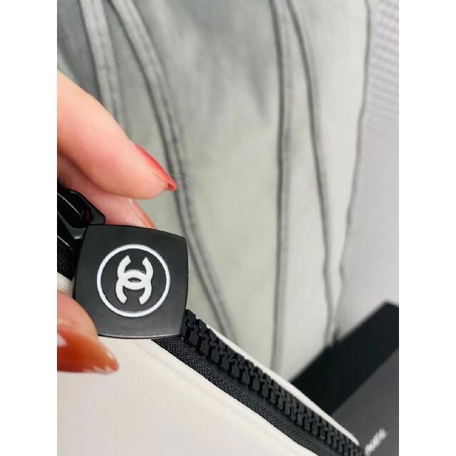 CHANEL(シャネル)の♡CHANEL シャネル ポーチ 化粧ポーチ ホワイト 箱あり レディースのファッション小物(ポーチ)の商品写真