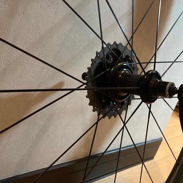 ☆専用1340gOEMチューブレスカーボンホイール50mm☆走行僅か☆タイヤ付☆ スポーツ/アウトドアの自転車(パーツ)の商品写真