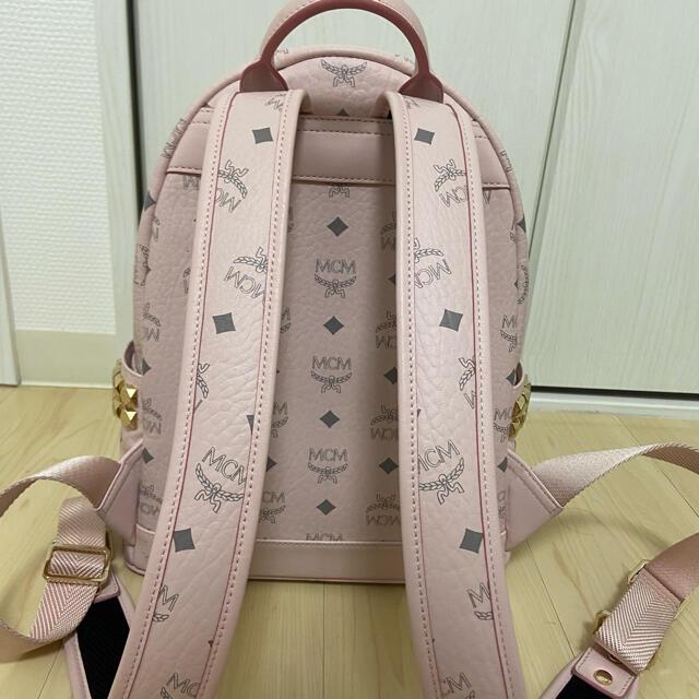 MCM(エムシーエム)のMCM ピンク Sサイズ レディースのバッグ(リュック/バックパック)の商品写真