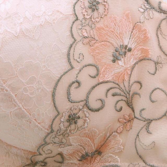 グラマーさん限定✨♥️フラワーレースブラショーツセット レディースの下着/アンダーウェア(ブラ&ショーツセット)の商品写真