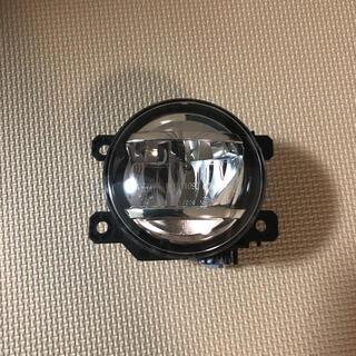 スバル(スバル)のスバルXVの純正フォグランプを出品します。(車種別パーツ)