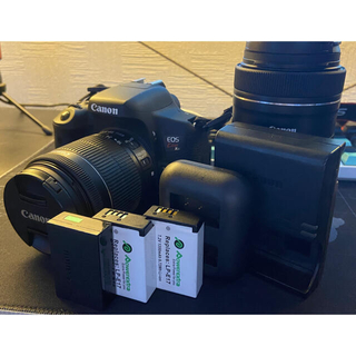 Canon - Canon EOS KISS X8i (W) Wズームキット その他高額特典あり