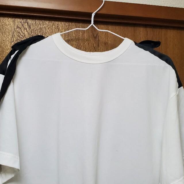 UNIQLO(ユニクロ)のUNIQLO UNDERCOVER レディースのトップス(Tシャツ(半袖/袖なし))の商品写真