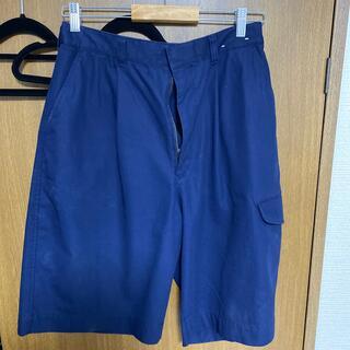ユニクロ(UNIQLO)のワイドフィットカーゴハーフパンツ ブルー Mサイズ(ショートパンツ)