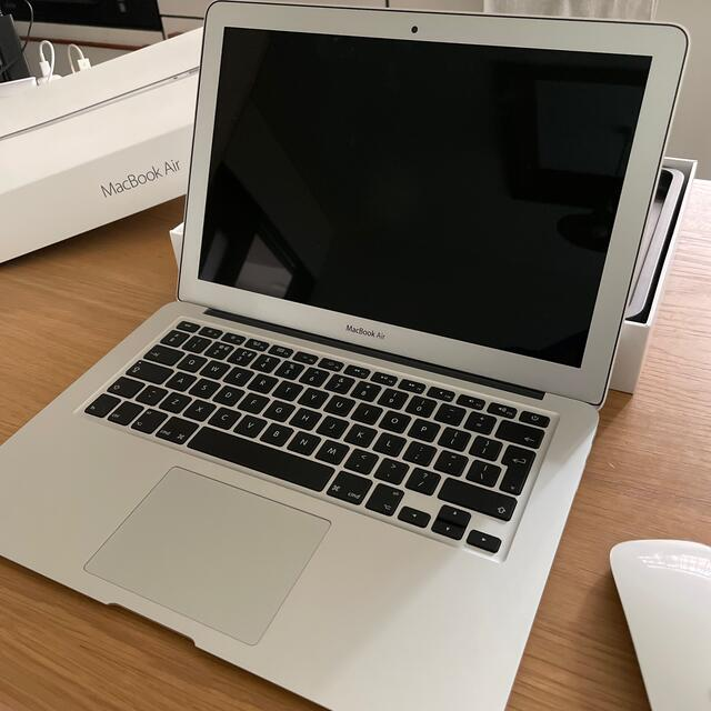Apple(アップル)のコバヤシマイコ様専用MacBook AIR 2017 マウス付き スマホ/家電/カメラのPC/タブレット(ノートPC)の商品写真