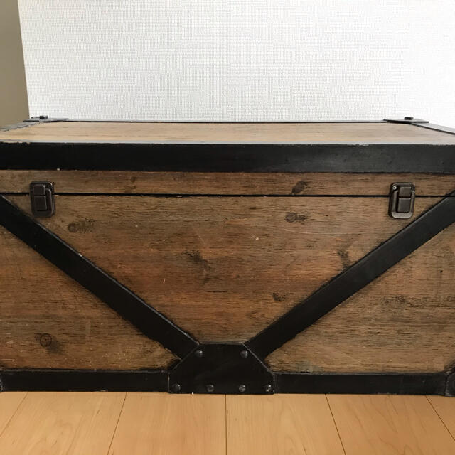 JOURNAL STANDARD(ジャーナルスタンダード)のアンティーク トランク ボックス インテリア/住まい/日用品の収納家具(ケース/ボックス)の商品写真