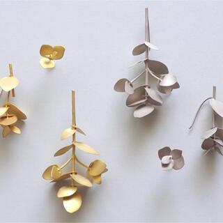 DEUXIEME CLASSE - KANOE jewelry ユーカリピアス マットシルバー