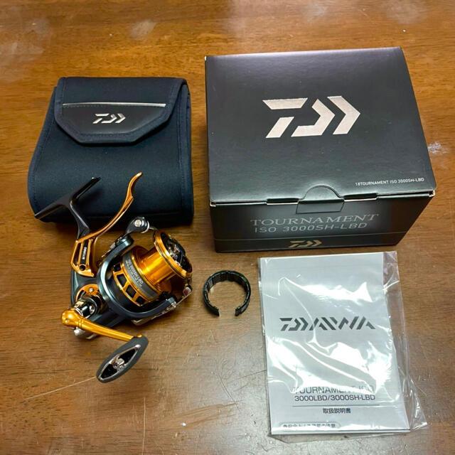 DAIWA(ダイワ)のダイワ 18トーナメントリール ISO 3000SH-LBD スポーツ/アウトドアのフィッシング(リール)の商品写真