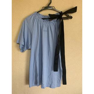 ヌメロヴェントゥーノ(N°21)のヌメロヴェントゥーノ  リボンTシャツ(Tシャツ(半袖/袖なし))