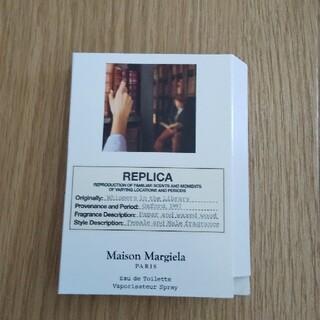 マルタンマルジェラ(Maison Martin Margiela)のレプリカ ウィスパーインザライブラリー 1.2ml(ユニセックス)