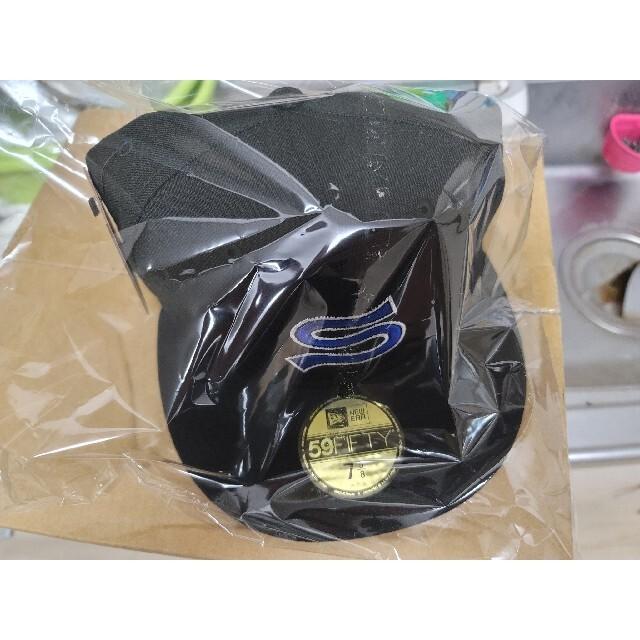 STUSSY(ステューシー)のSTUSSY EMBLEM NEW ERA CAP メンズの帽子(キャップ)の商品写真