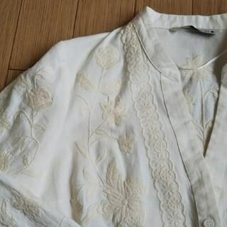ザラ(ZARA)のZARA 刺繍ジャケット(ノーカラージャケット)