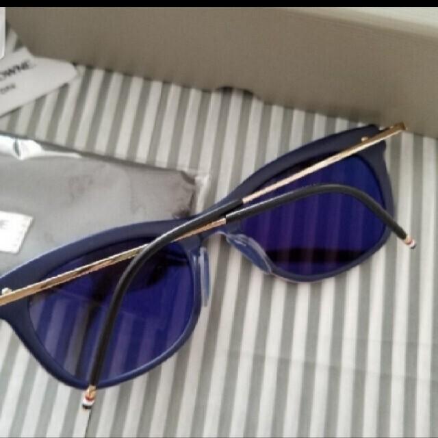 THOM BROWNE(トムブラウン)のトムブラウン THOM BROWNE 男女兼用トリコロールサングラス/試着のみ  メンズのファッション小物(サングラス/メガネ)の商品写真
