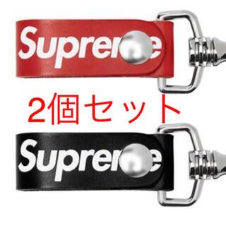 シュプリーム(Supreme)のSupreme  Leather Key Loop  赤 / 黒セット 未開封(キーホルダー)