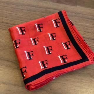 〈新品未使用〉シルク100%スカーフ(バンダナ/スカーフ)
