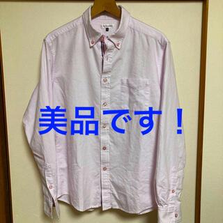 アーヴェヴェ(a.v.v)の美品です!a.v.v HOMME オックスフォード コットン ピンクシャツ(シャツ)