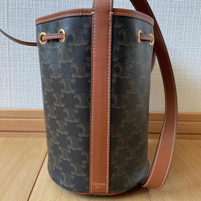 celine(セリーヌ)のスモール ドローストリングバッグ / トリオンフキャンバス タン レディースのバッグ(ショルダーバッグ)の商品写真