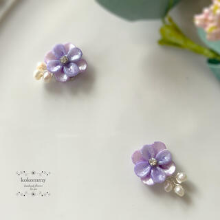 681 期間限定&SALE 紫陽花に淡水パールの小枝を添えて ピアス イヤリング(ピアス)