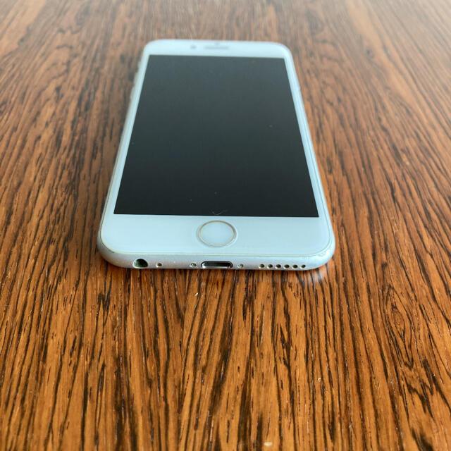 Apple(アップル)の中古 iPhone 6s Silver 64GB SIMフリー  スマホ/家電/カメラのスマートフォン/携帯電話(スマートフォン本体)の商品写真